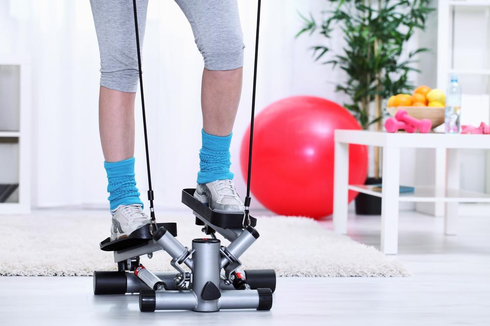palestra in casa: lo step per allenarti