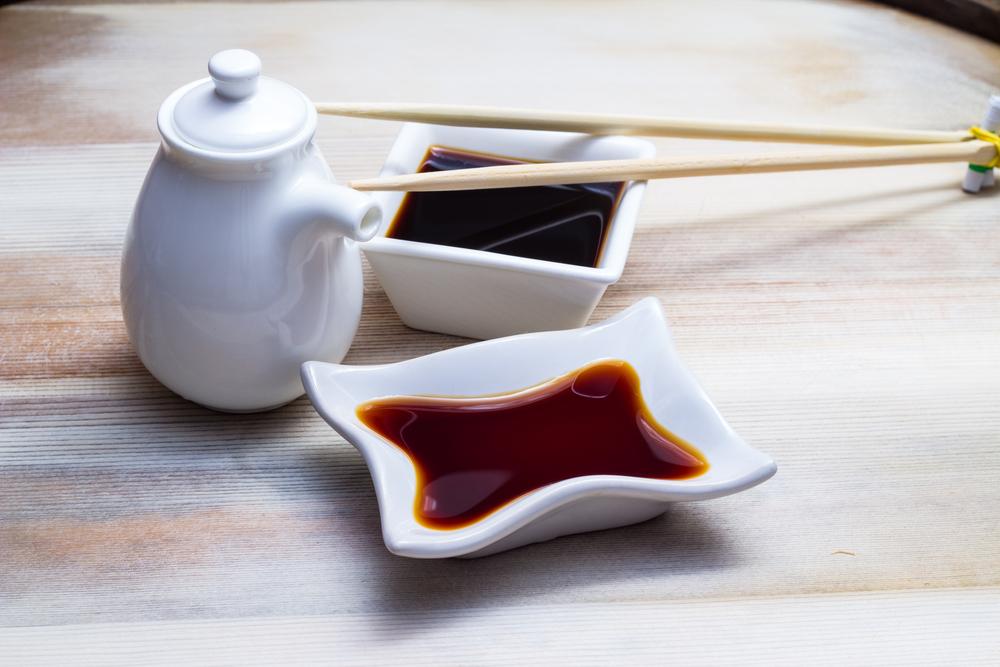 alimenti che contengono glutine: salsa di soia