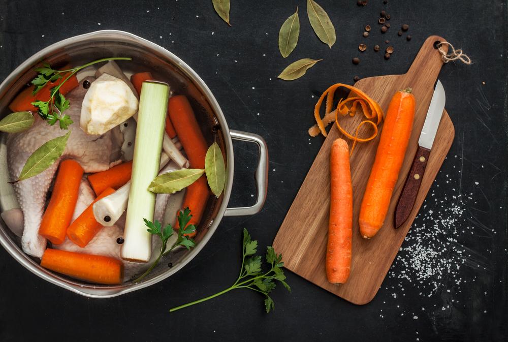 alimenti con glutine, dado e brodo vegetale
