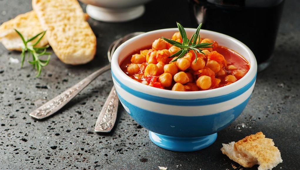 Le proteine vegetali: zuppa di ceci al rosmarino