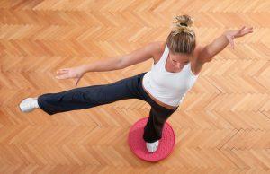 Tavola propriocettiva: 5 esercizi per migliorare l'equilibrio e prevenire i traumi