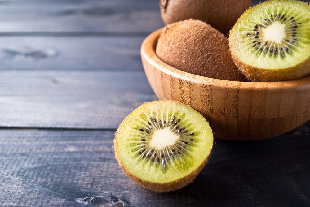 frutta di stagione marzo kiwi