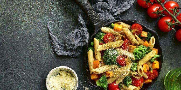 penne integrali crudigna broccoli pomodori