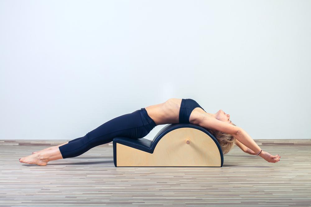 pilates: che cos'è, benefici, controindicazioni e esercizi da fare in casa