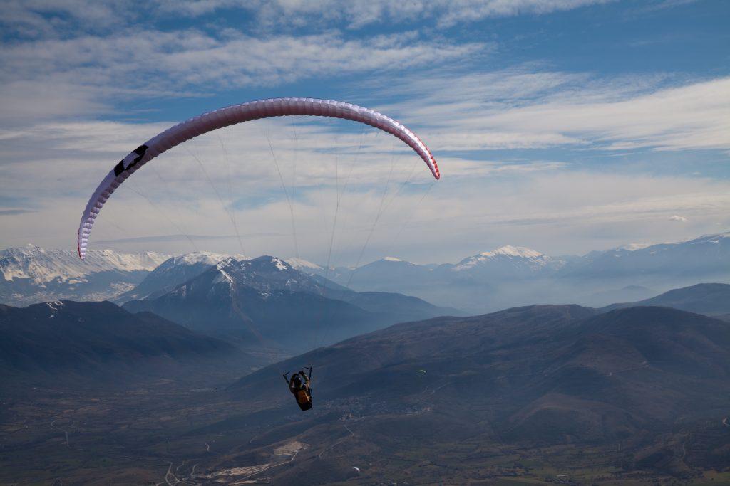 Sport da fare all'aria aperta: parapendio sulla Majella