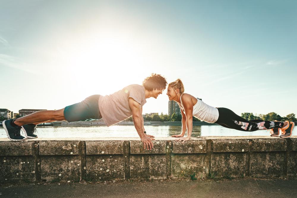 i migliori esercizi a corpo libero per bruciare grassi