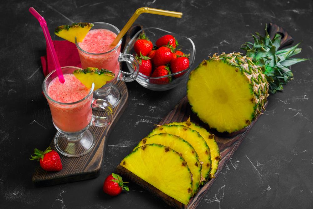 smoothie alle fragole e ananas: la ricetta