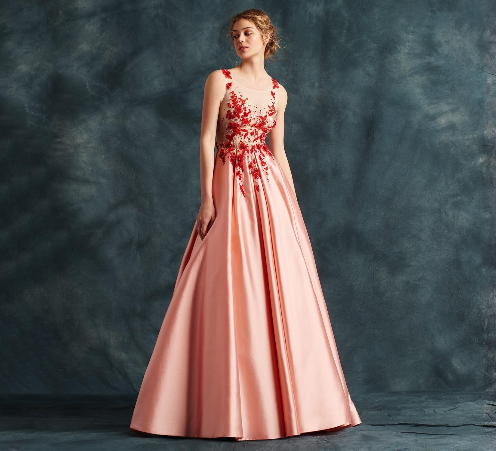 tendenza vestito da sposa, vestito colorato dell'atelier Emé