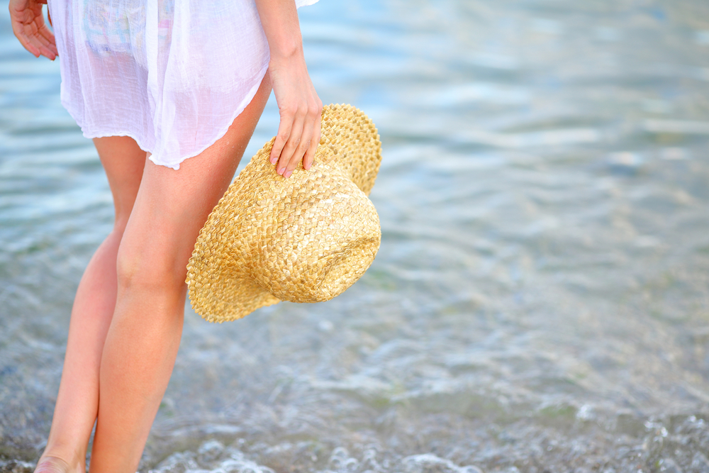 gambe stanche d'estate, i cosmetici che possono aiutare