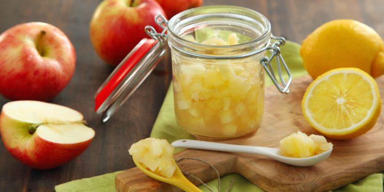 mousse di mela: una ricetta veloce e semplice per uno spuntino sano