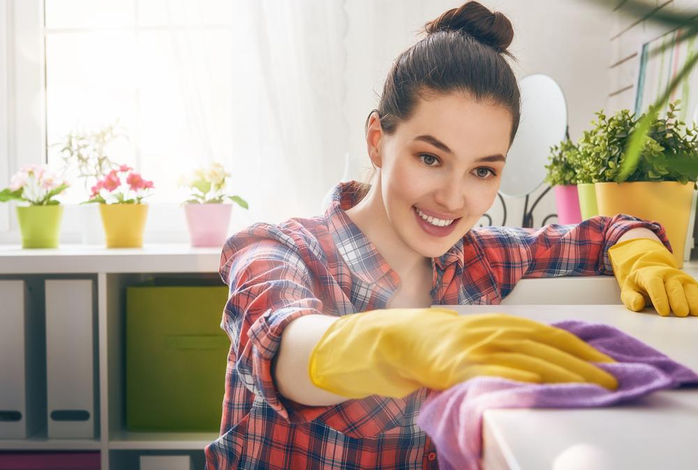 tea tree oil, ottimo per pulire casa