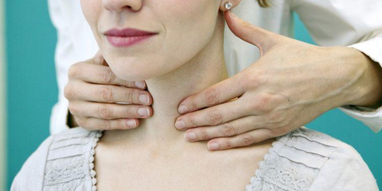 tiroide: attenzione allo stress e alla qualità della dieta