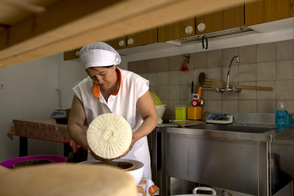 Pecorino di Farindola, il formaggio fatto dalle donne