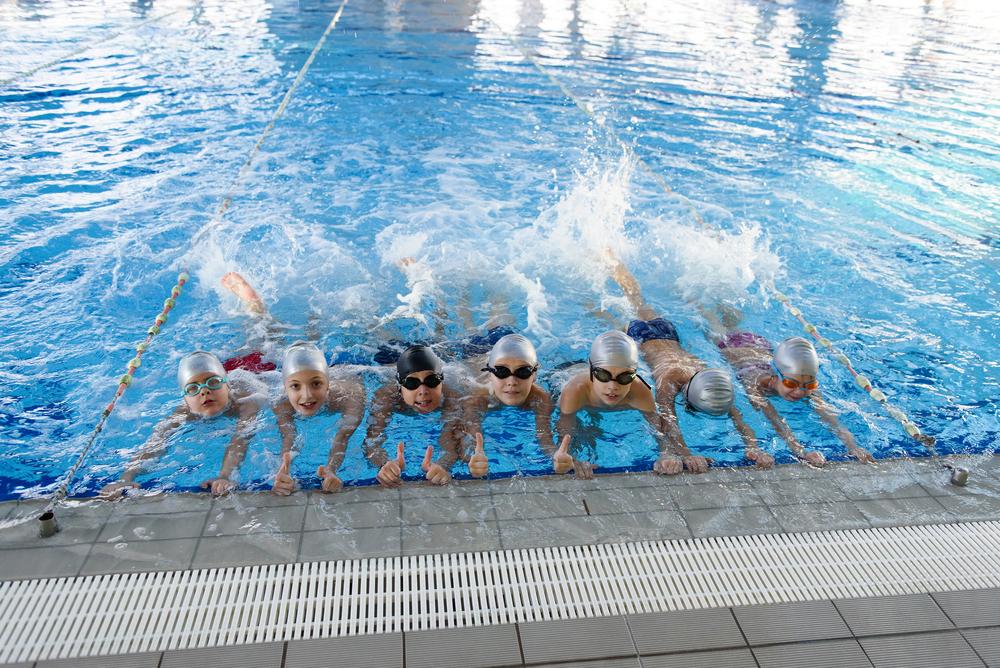 benefici del nuoto: uno sport per tutti