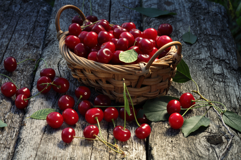 la frutta di giugno, le ciliegie