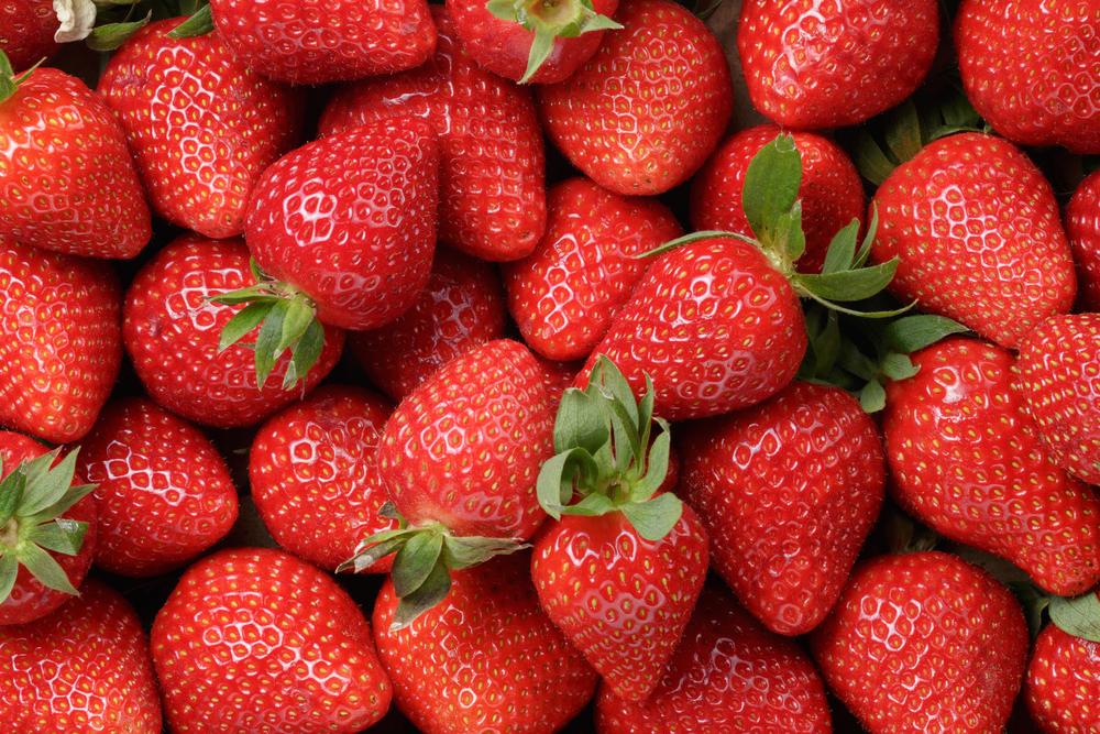la frutta di giugno, le fragole