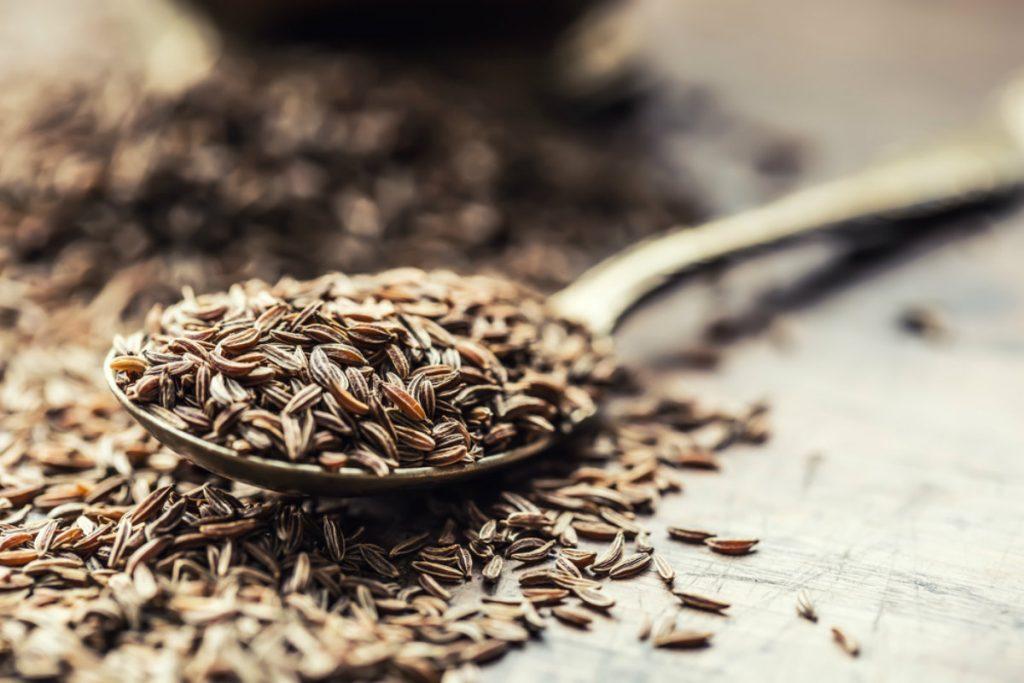 acqua aromatizzate, semi di cumino e finocchio