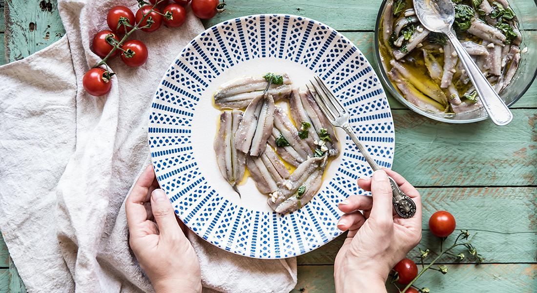 Secondi-piatti-facili-veloci-alici-marinate