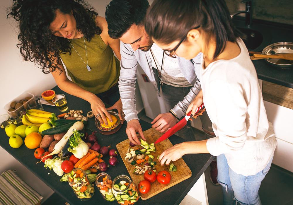 Per un corretto abbinamento tra celiachia e alimentazione, frutta e verdura non devono mai mancare in tavola.
