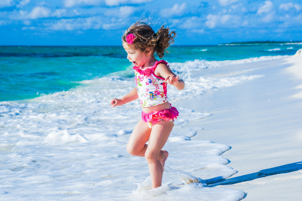 come proteggersi dal sole: consigli per i bambini