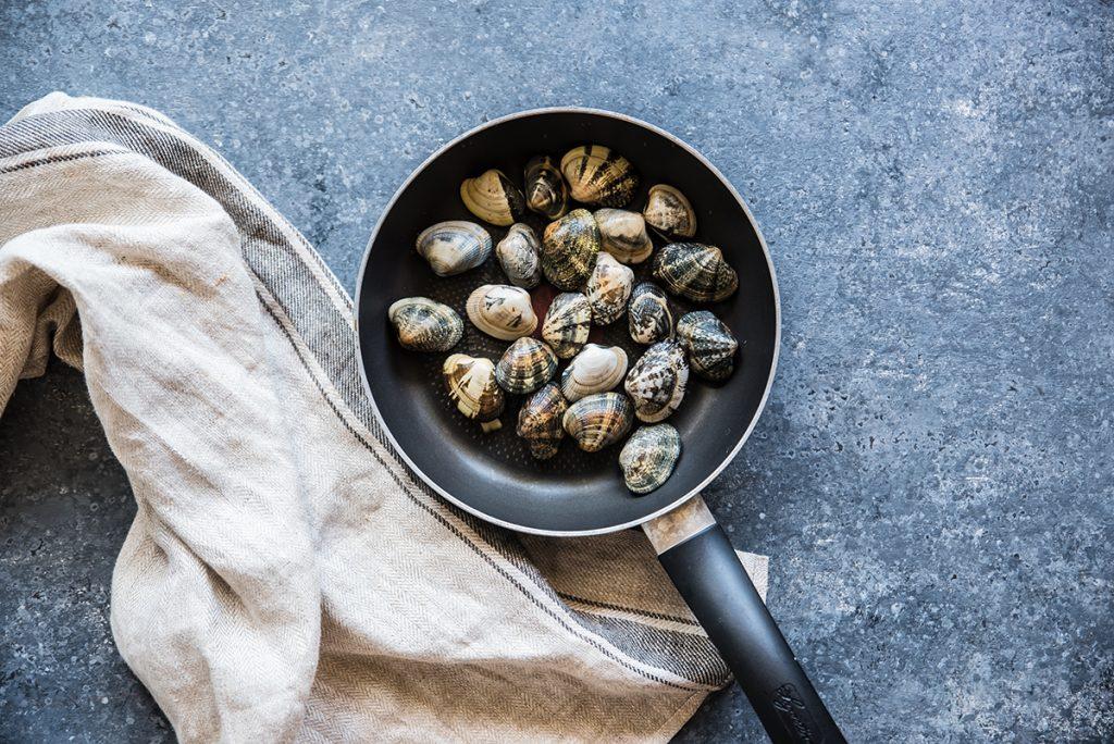preparazione insalata di mare