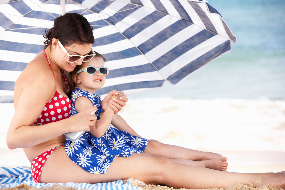 falsi miti sull'abbronzatura: sotto l'ombrellone