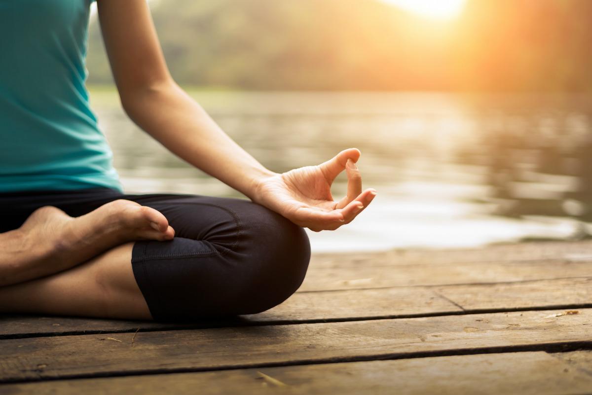 pancia gonfia, le posizioni yoga