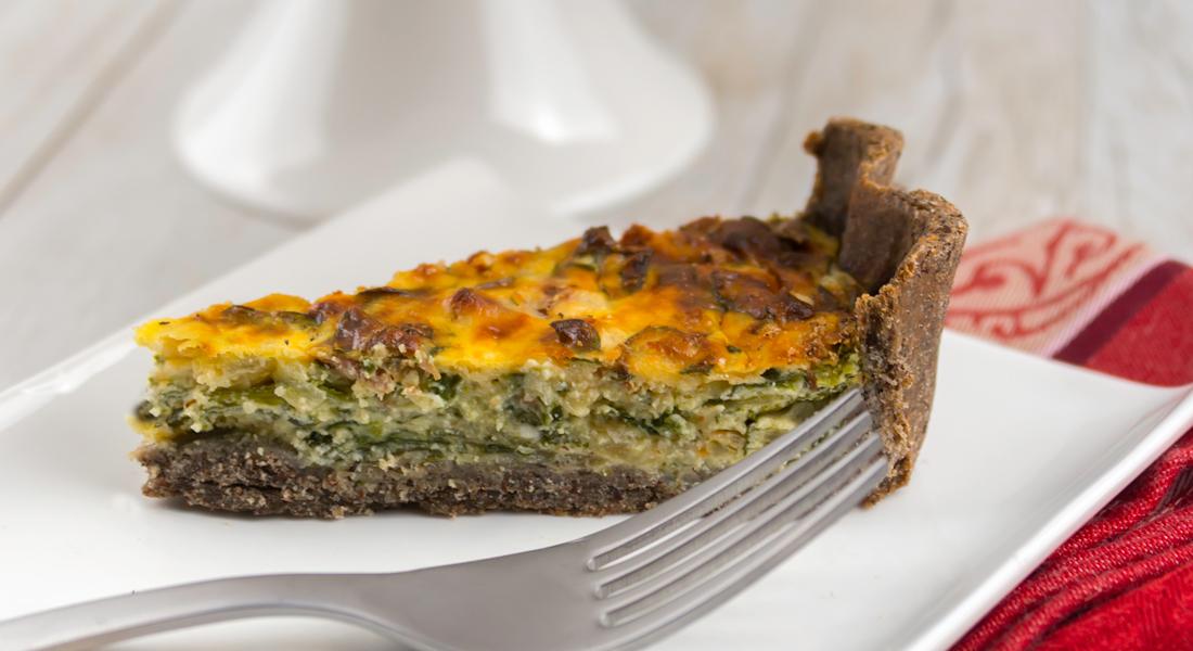 La ricetta della quiche alle verdure senza glutine leggera e con poche calorie.