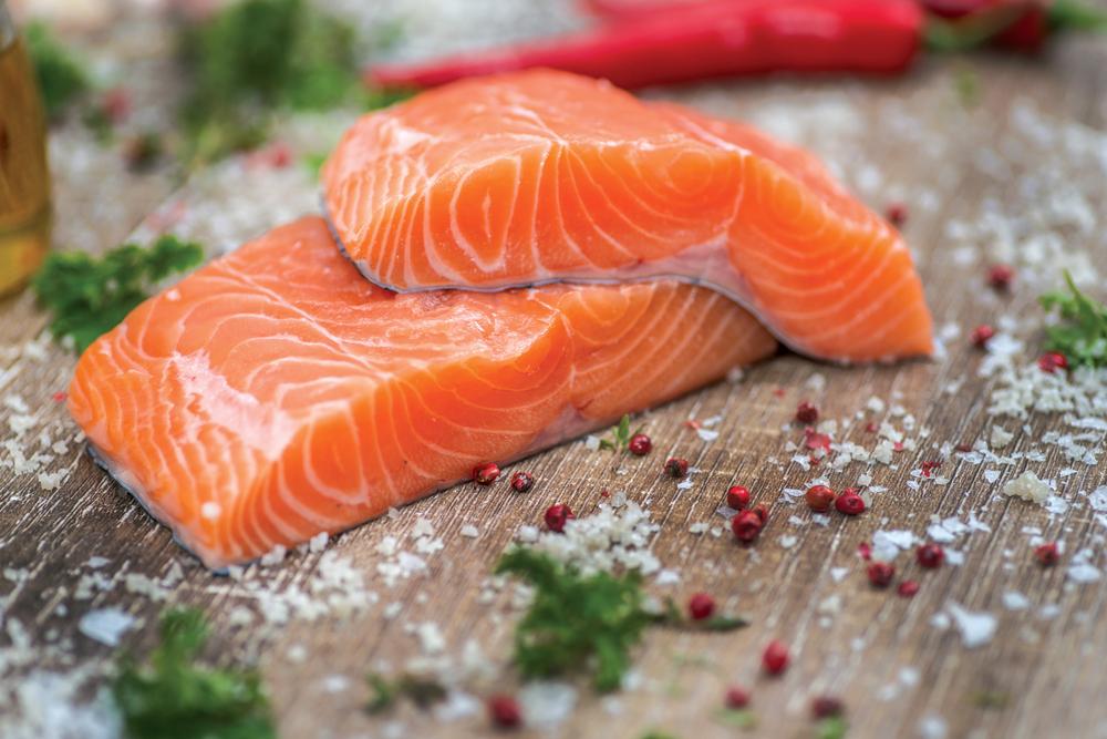 Falsi miti sul pesce: il salmone