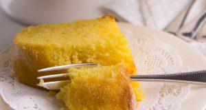 Per una merenda o una colazione leggere ma dolcissime, la torta al limone è la giusta soluzione.