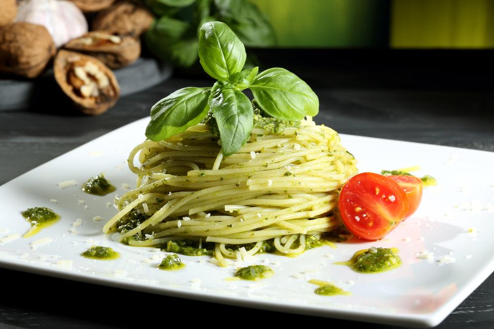 Ricetta del pesto di basilico e pinoli alla genovese