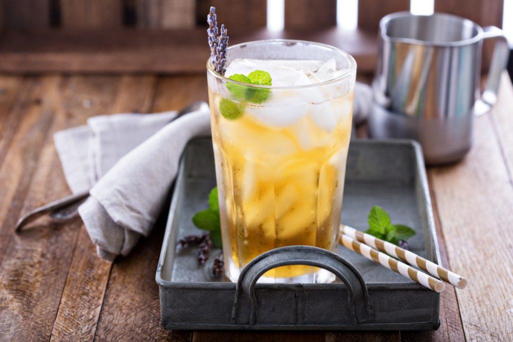 tè verde con lavanda e riso soffiato
