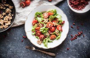 insalata mista con bacche di goji