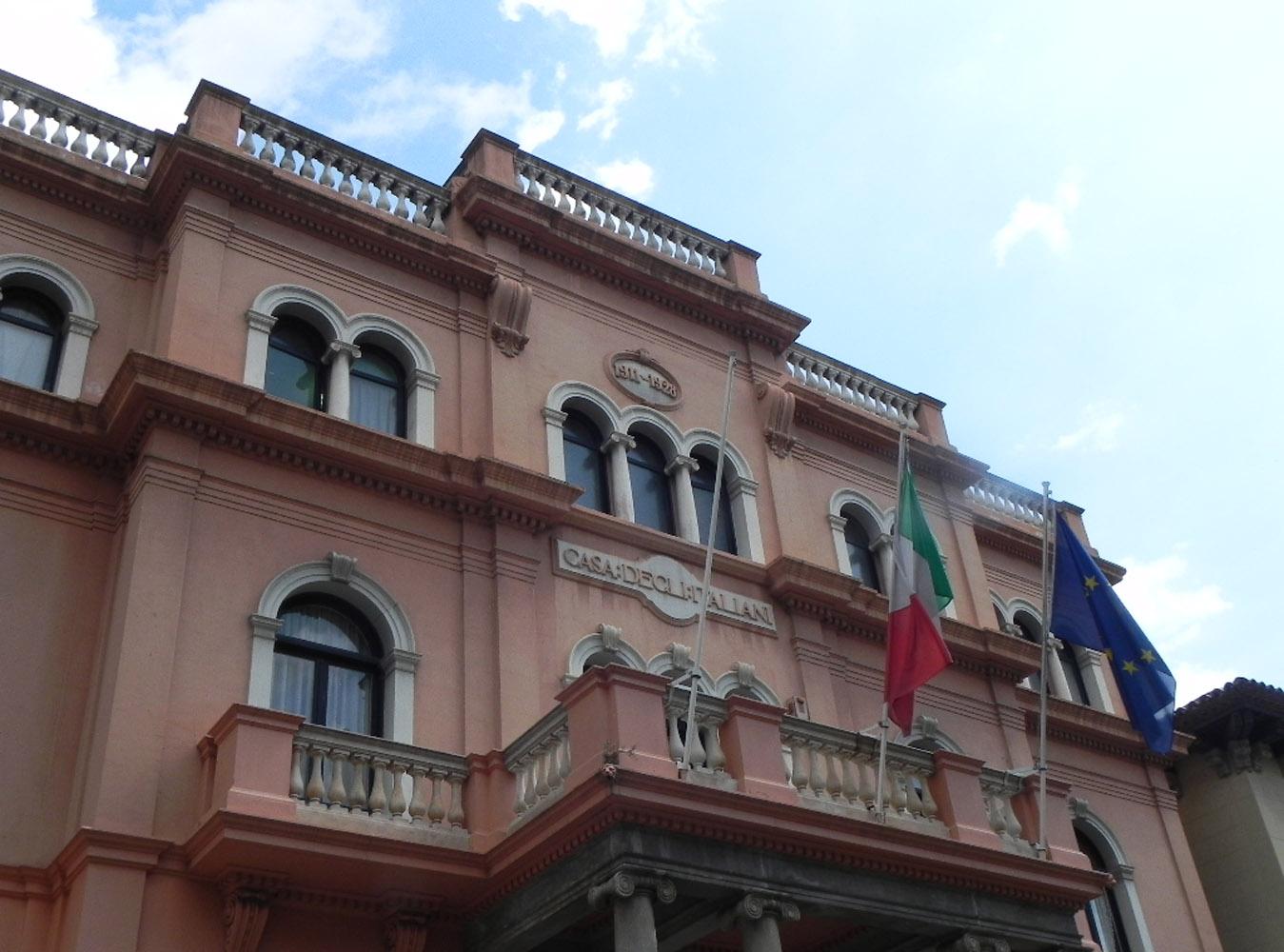 barcellona casa degli italiani