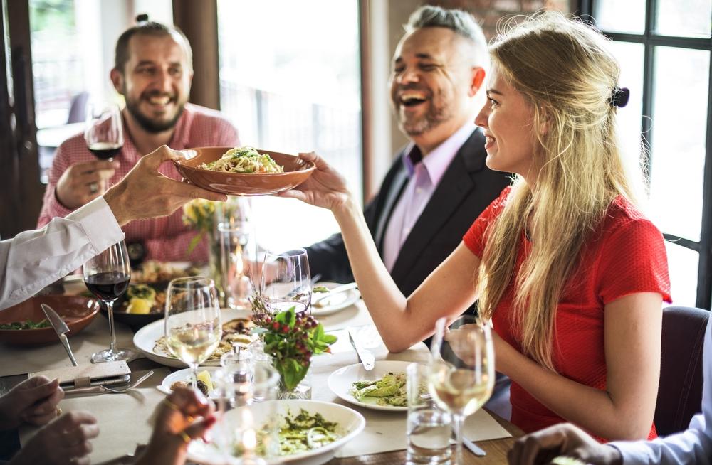 mangiare fuori casa: le dritte quando si a dieta