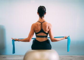 palla fitness: esercizi da fare in casa