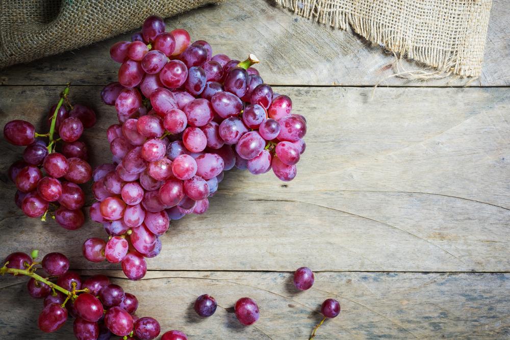 frutta e verdura di stagione: uva
