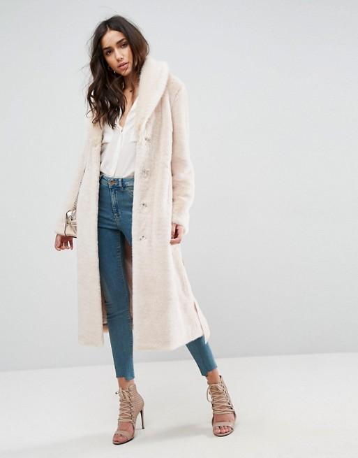 Cappotto lungo in pelliccia sintetica con cintura Asos