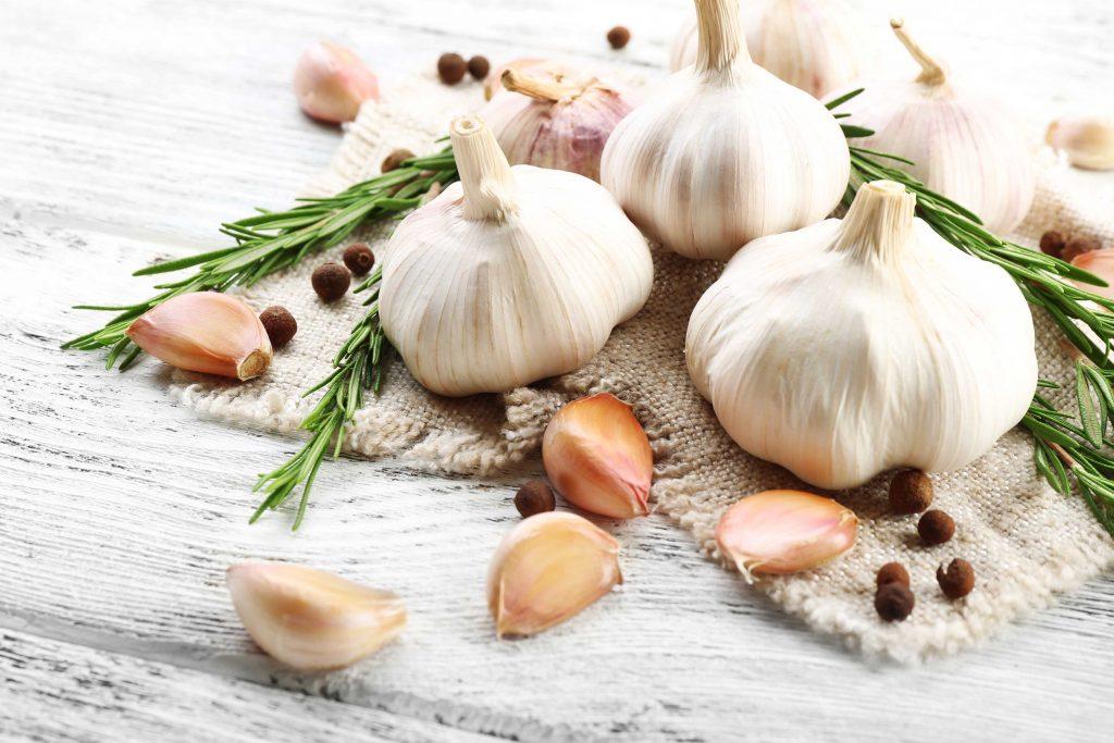 Cibi cotti o crudi: l'aglio