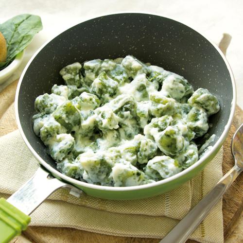 Gli gnocchi di patate e spinaci diventano light e senza glutine