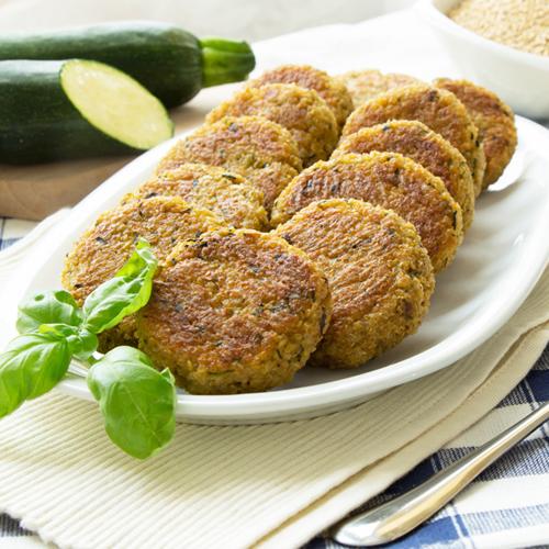 Polpette di quinoa e zucchine, morbide, light e senza glutine.