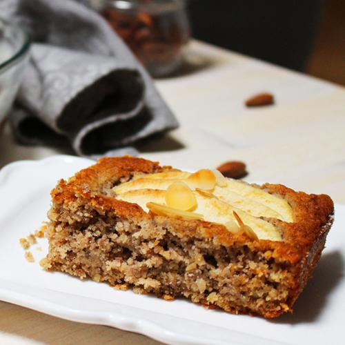 La ricetta della torta di mele e grano saraceno senza glutine.