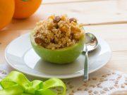Le mele ripiene con miele, frutta secca e canditi sono un dolce light e senza glutine, da gustare senza sensi di colpa.