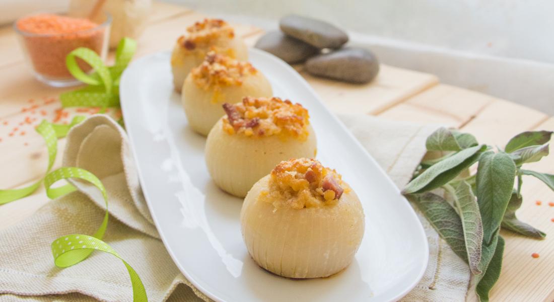 Le cipolle ripiene light e senza glutine sono perfette per tutti i gusti.