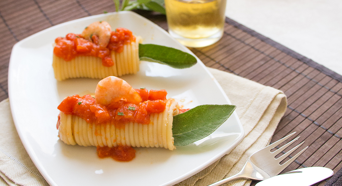 La ricetta degli involtini di bucatini senza glutine è leggera e di grande effetto.