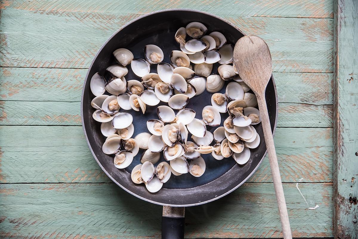 lasagne ai frutti di mare cottura delle vongole