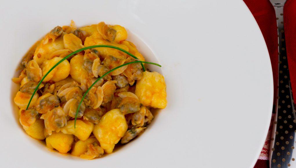 oroscopo 2018 per la dieta: ricetta gnocchi con vongole per Sagittario