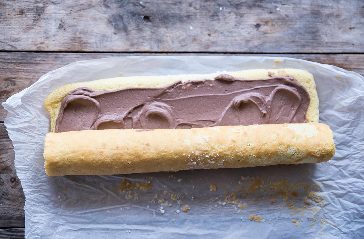 ricetta facile tronchetto di natale arrotola il pan di spagna