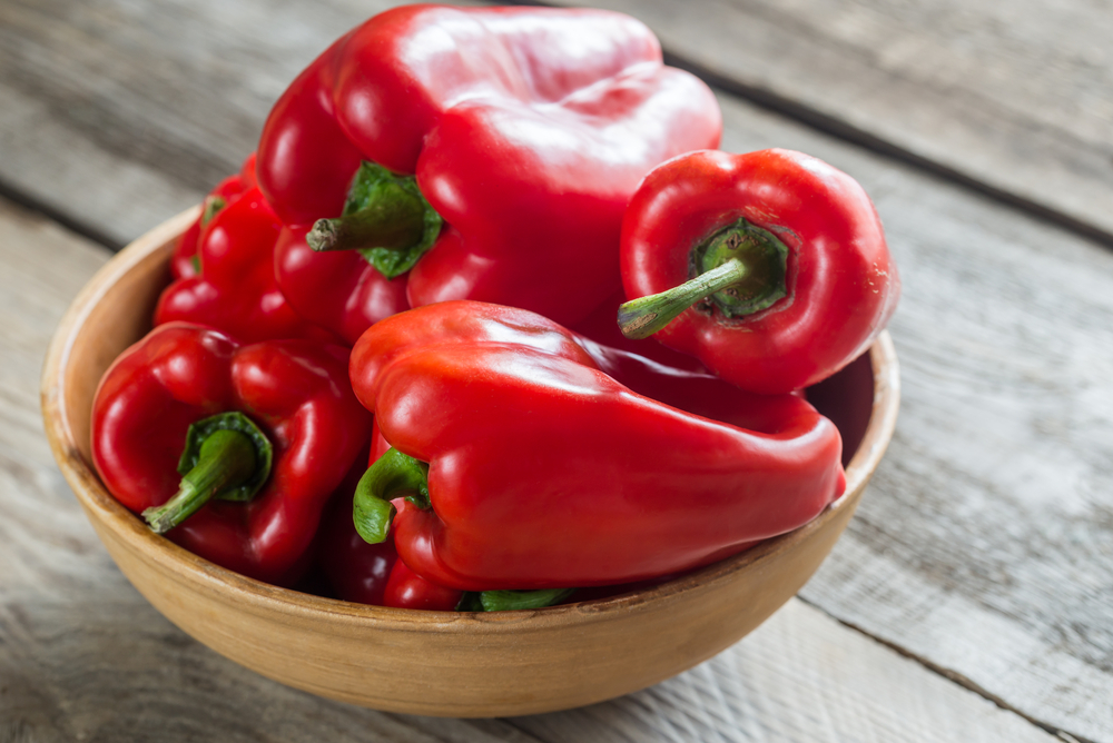 I cibi ricchi di collagene: peperoni rossi