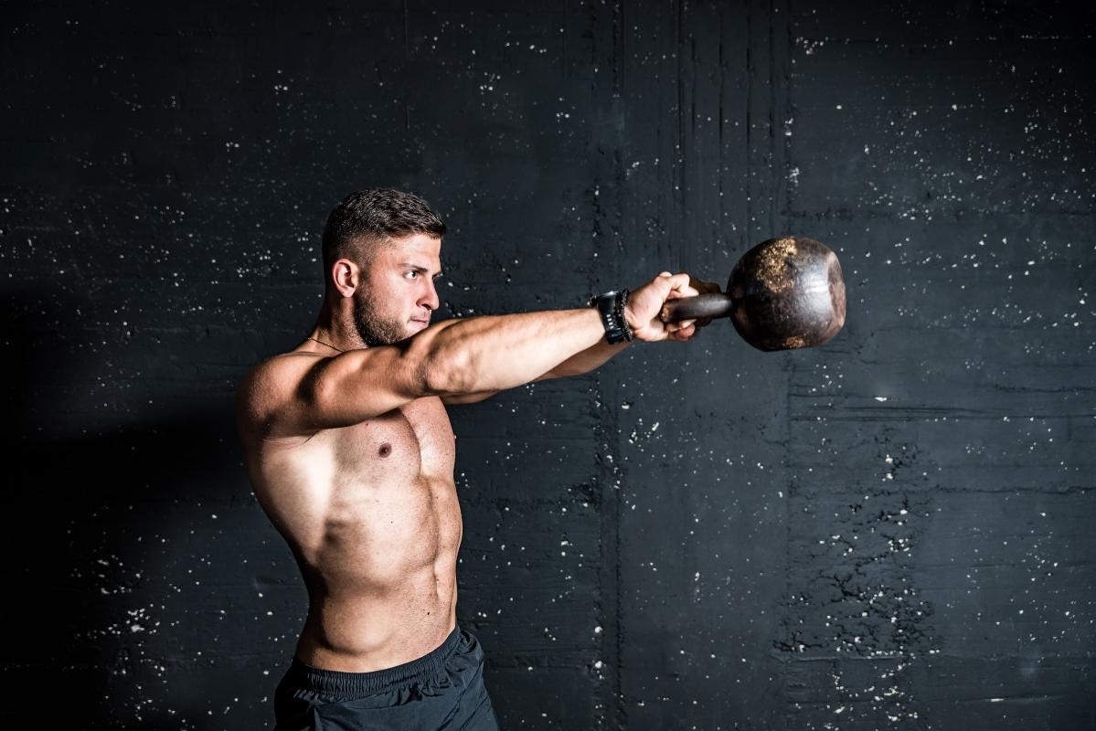 Kettlebell: allenamento brucia grassi